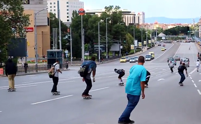 Цели две видеа от Go Skateboarding Day